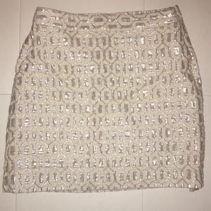 Banana Republic ivory/silver patterned skirt